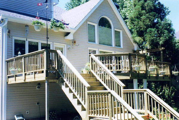 Kenyon_Const_Deck_Stairs